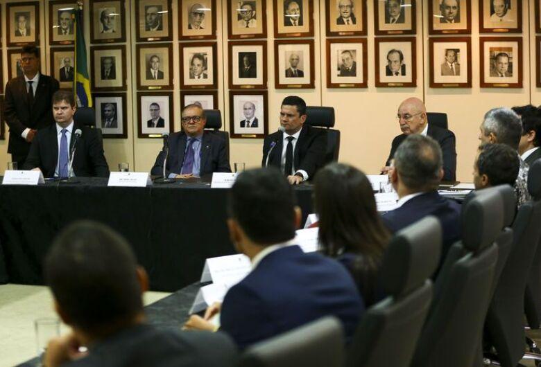 Governo fará combate ao crime junto com estados e municípios