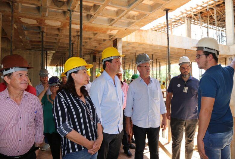 Ministro da Saúde visita Dourados e garante conclusão de Hospital