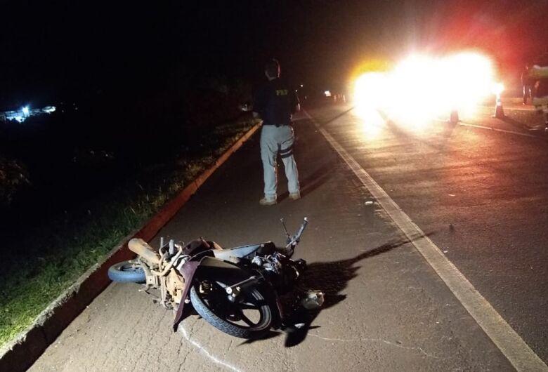 Homem morre ao bater moto em um cavalo em Dourados