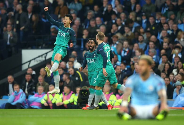 VAR anula gol do City no final e Tottenham avança com derrota de 4 a 3