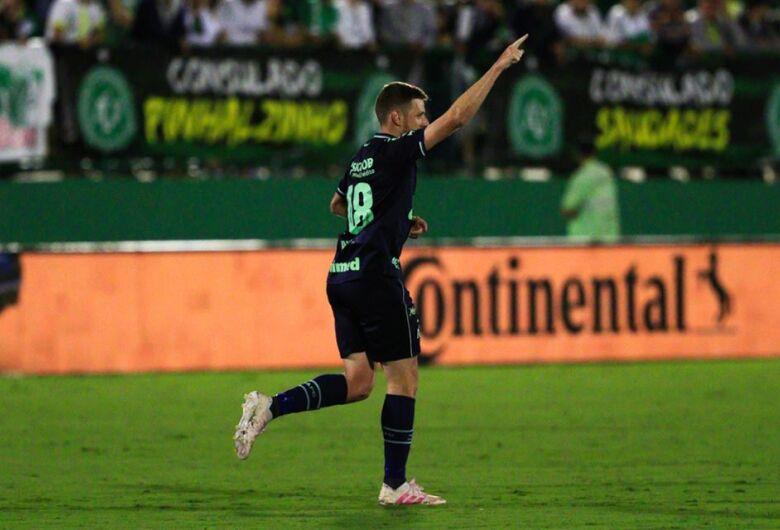 Chapecoense vence o Corinthians na Arena Condá