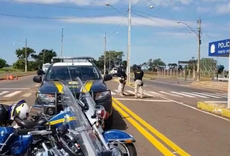 PRF de Dourados põe 30 policiais nas BRs 163 e 463