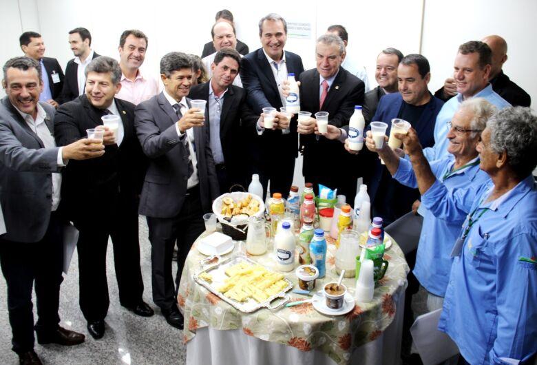 Em Mato Grosso do Sul produtores querem discutir tributos sobre o leite
