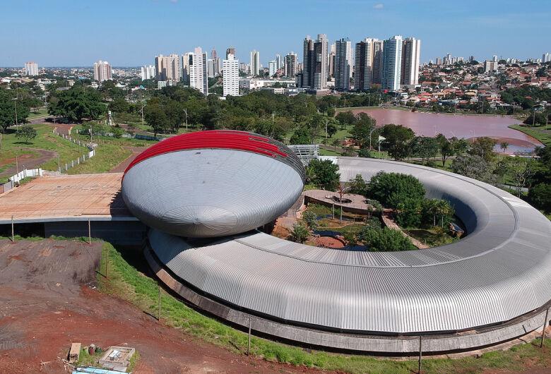Governo do Estado apresenta plano para conclusão do Aquário do Pantanal em um ano