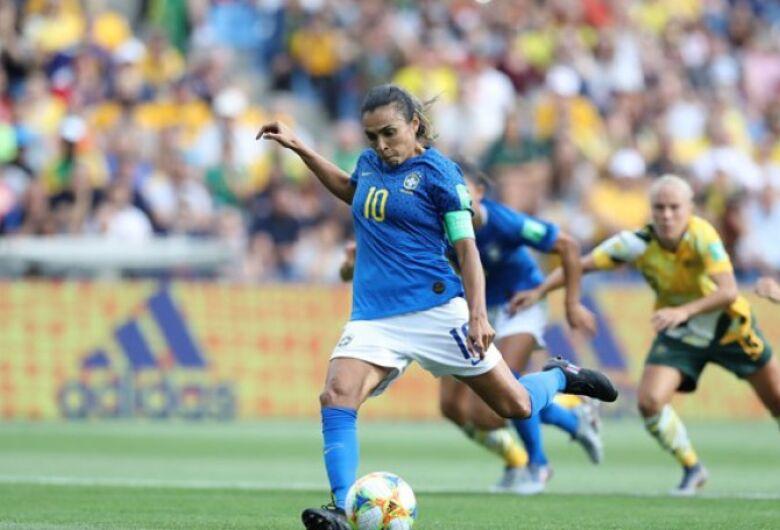 Brasil toma virada da Austrália e adia classificação para às oitavas da Copa do Mundo