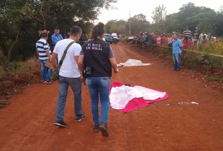 Populares encontram corpos de tio e sobrinho na aldeia