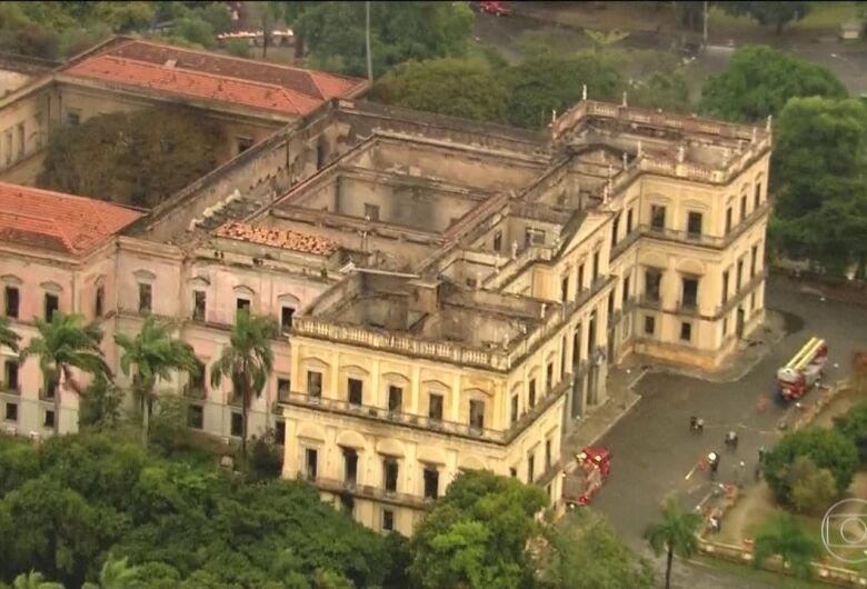 MEC destina R$ 900 mil para projeto de reconstrução do Museu Nacional
