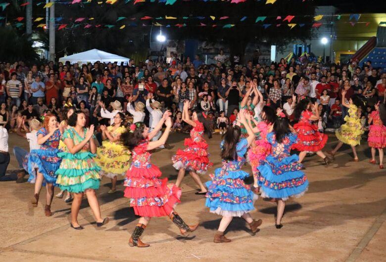 Público recorde marca a 42ª Festa Junina na praça