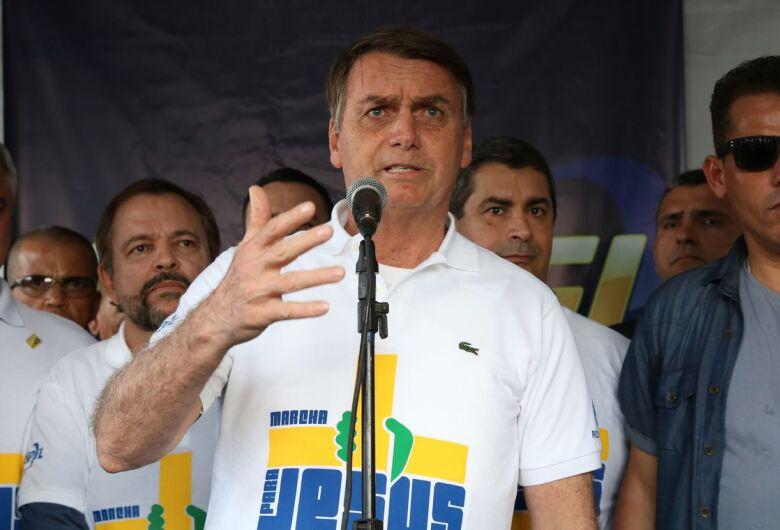 """""""Abro mão da reeleição se Brasil passar por reforma política"""", diz presidente"""