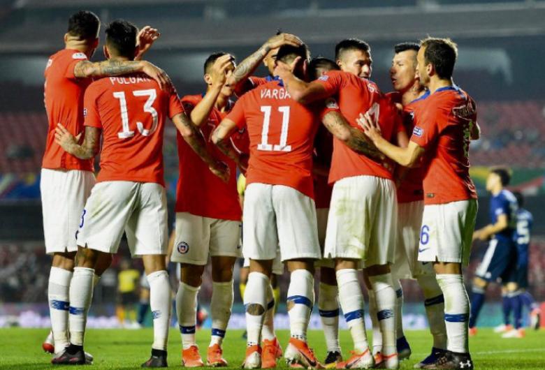 Chile estreia na Copa América com goleada sobre o Japão
