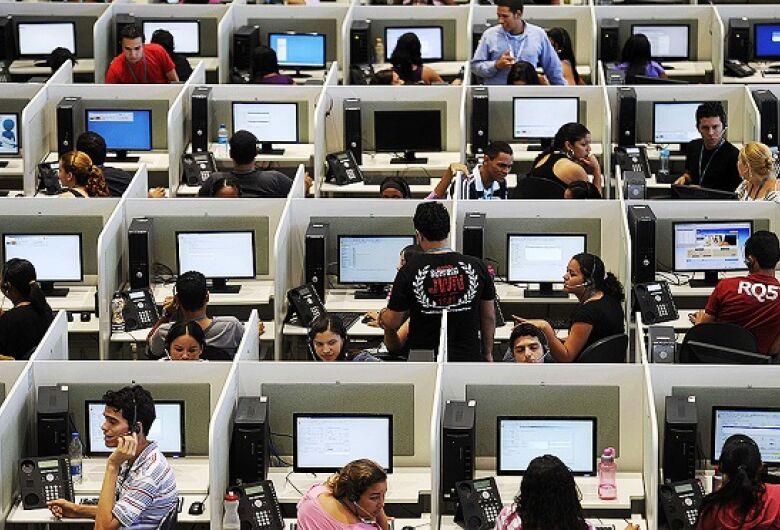 Procon-MS notifica operadoras de telefone por insistência no telemarketing