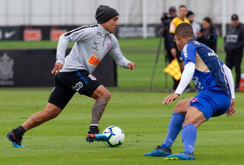 Reservas do Corinthians empatam jogo-treino com Juventus