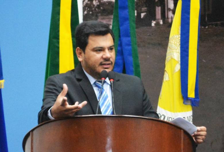 Vereador pede ao Ministro da Saúde que contrate profissionais pelo mais médicos para Dourados