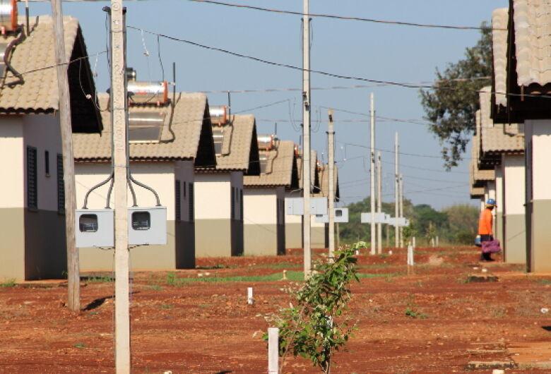 Governador entrega 353 imóveis do Minha Casa Minha Vida em Dourados