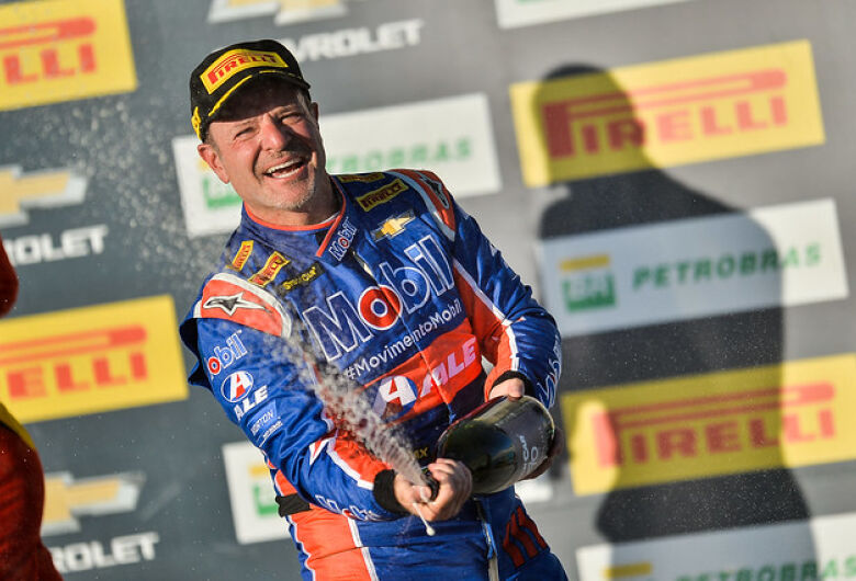 Etapa de Campo Grande da Stock Car termina com Camilo e Barrichello como vencedores