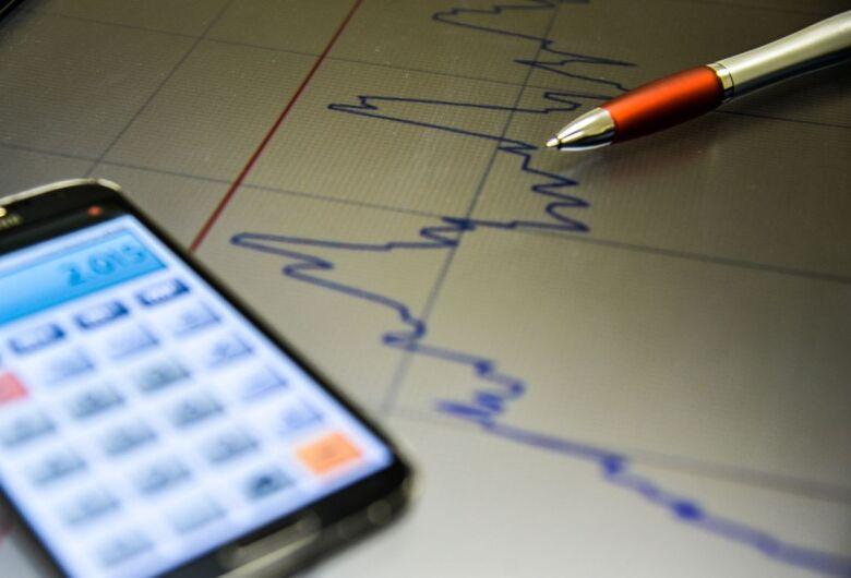Atividade econômica registra retração de 0,13% no segundo trimestre