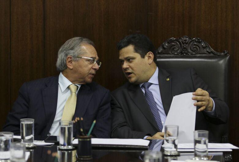 União pretende repassar R$ 500 bi em 15 anos para estados e municípios