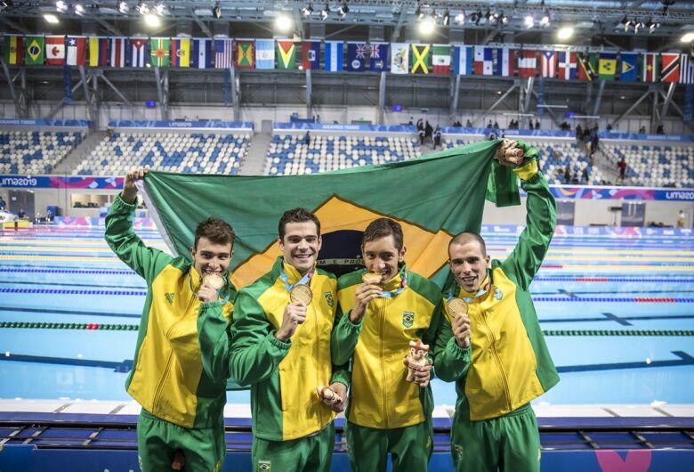 Com ouro na natação, Brasil reassume vice-liderança de medalhas no Pan