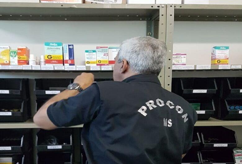 Procon Estadual autua farmácia por expor à venda produtos vencidos há mais de um ano