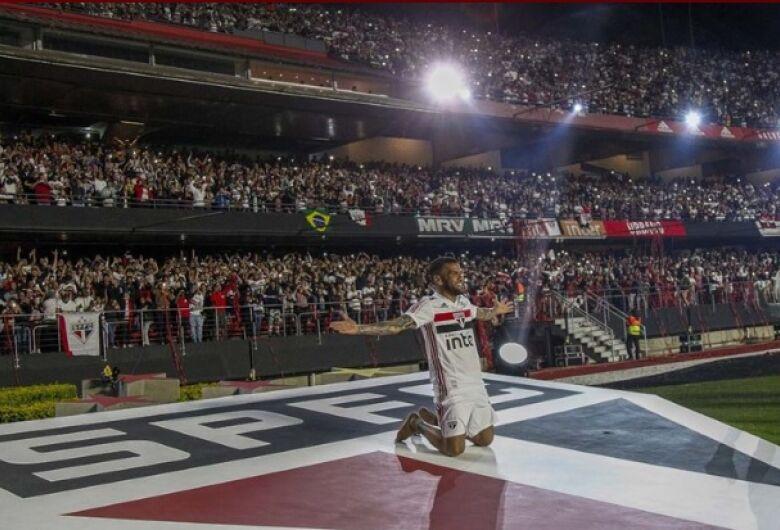 Veja como foi a apresentação de Daniel Alves no São Paulo