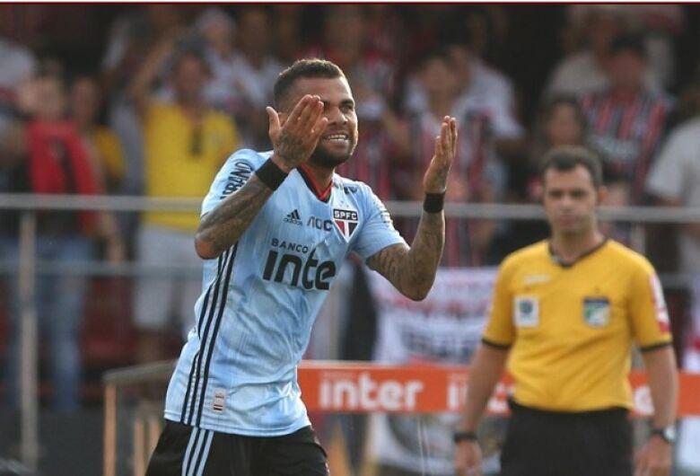 Rodada do Brasileirão tem gol de estreante e líder perdendo