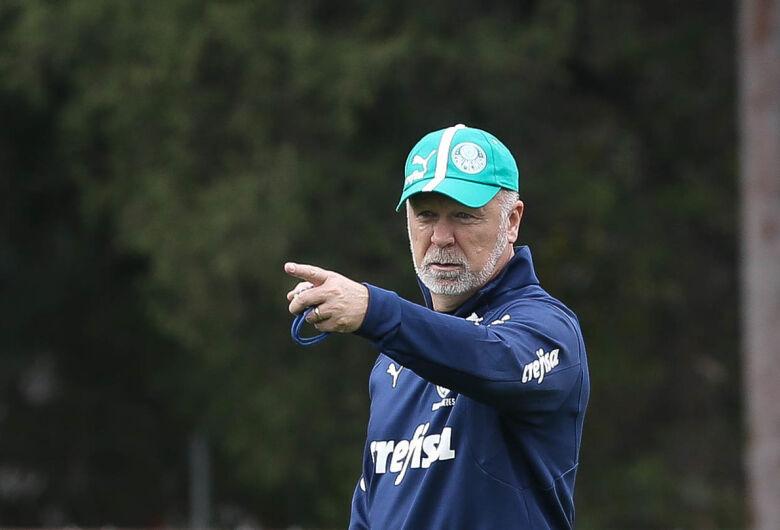 Palmeiras recebe Fluminense em jogo atrasado do Brasileirão