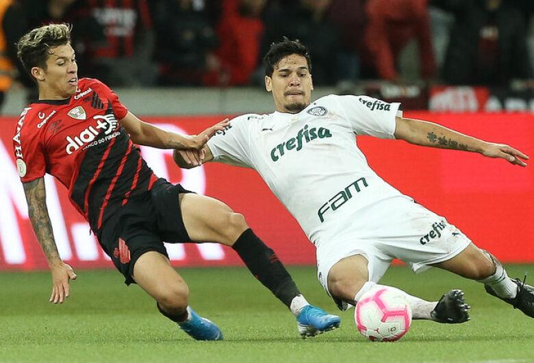 Athletico Paranaense e Palmeiras empatam na Arena da Baixada