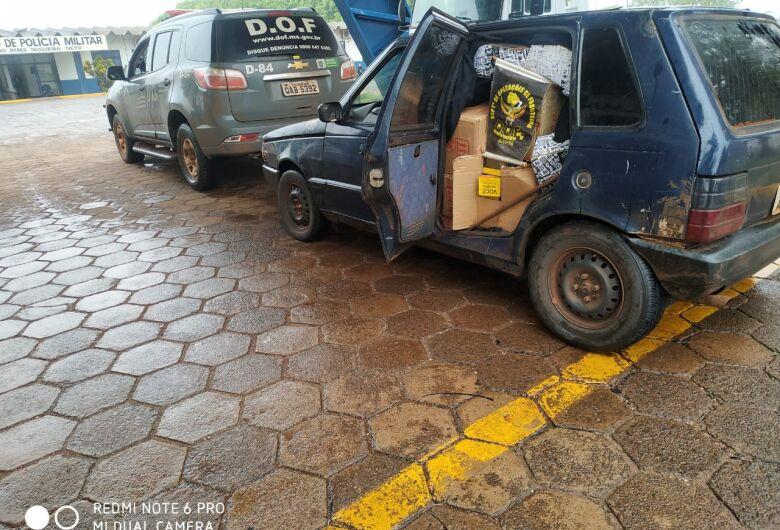 Veículo é apreendido carregado com caixas de essência para narguilé contrabandeadas do Paraguai