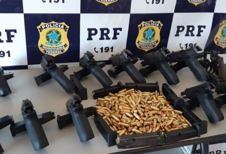 PRF apreende 13 armas de fogo, 23 carregadores e 360 munições