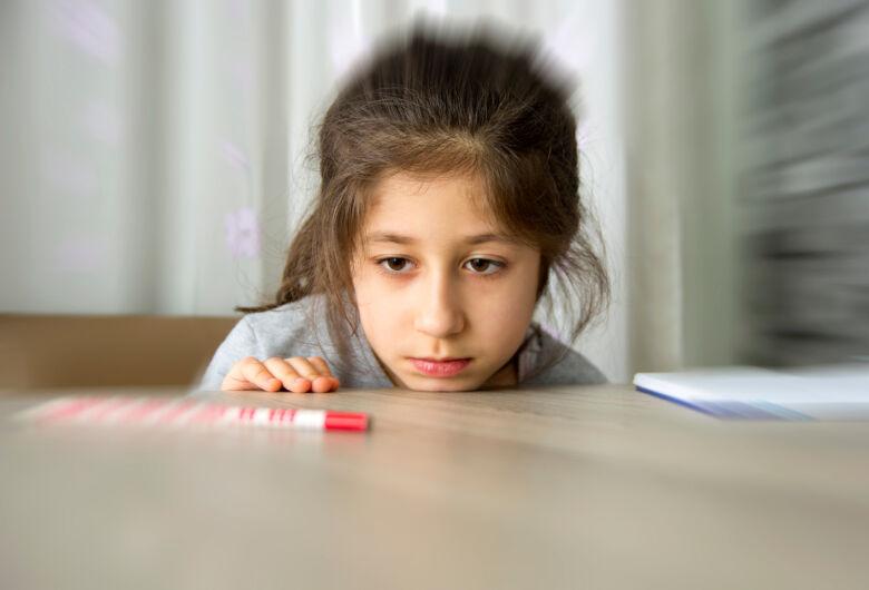 Fonoaudióloga alerta para sinais do autismo nas crianças
