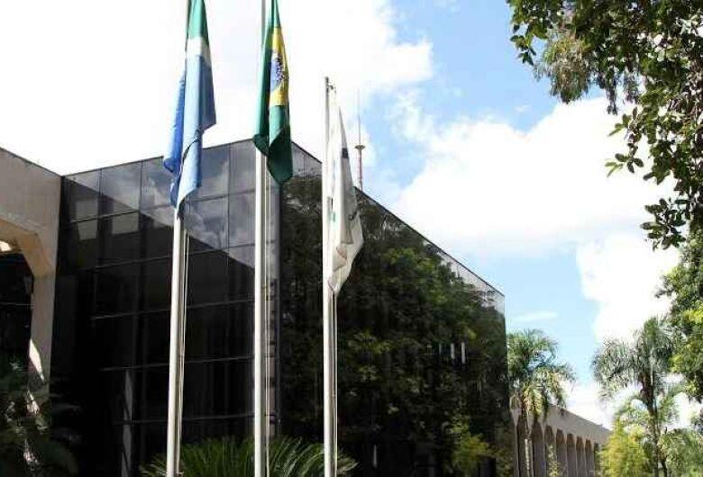 Nove vereadores terão que devolver R$ 234 mil que receberam em diárias ilegais