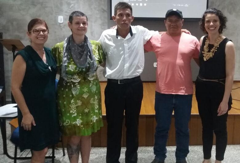 Acadêmico do curso de Turismo defende TCC em língua Guarani