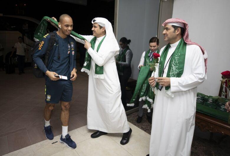 Seleção Brasileira chega à Arábia Saudita para enfrentar a Argentina