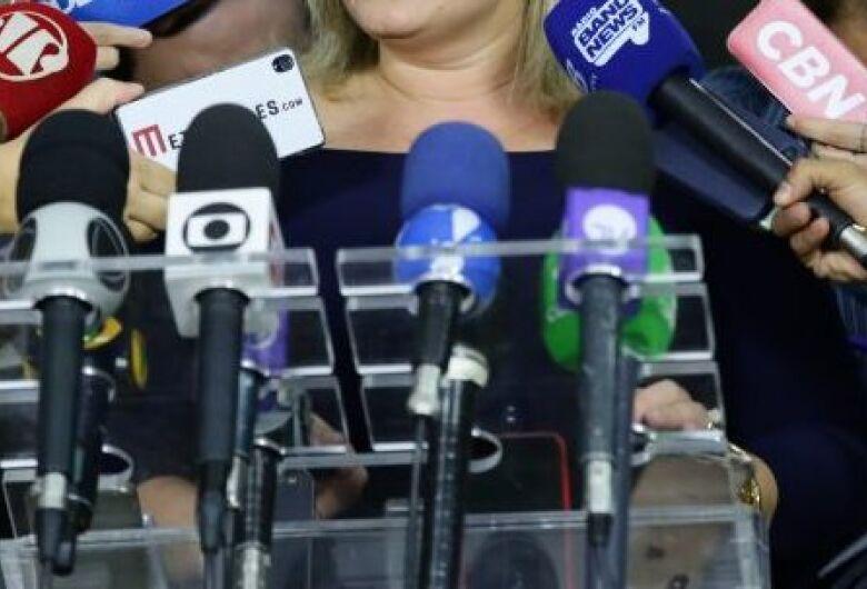 Câmara aprova isonomia a veículos de imprensa em entrevistas coletivas