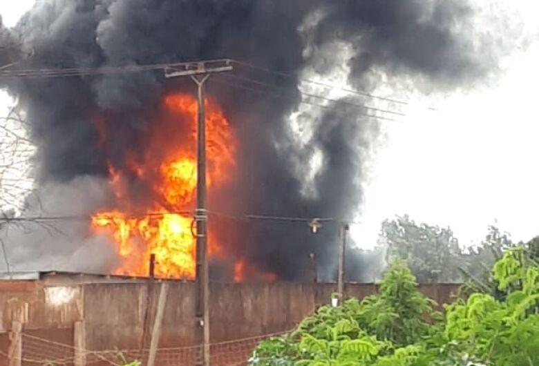 Helicóptero da polícia do Paraguai cai na fronteira e deixa 12 feridos