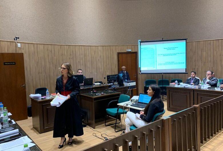 Justiça condena homem a 27 anos por feminicídio em Dourados