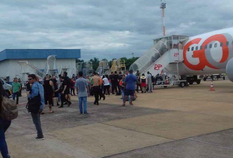 Falha em motor provoca pânico e avião não decola na Capital
