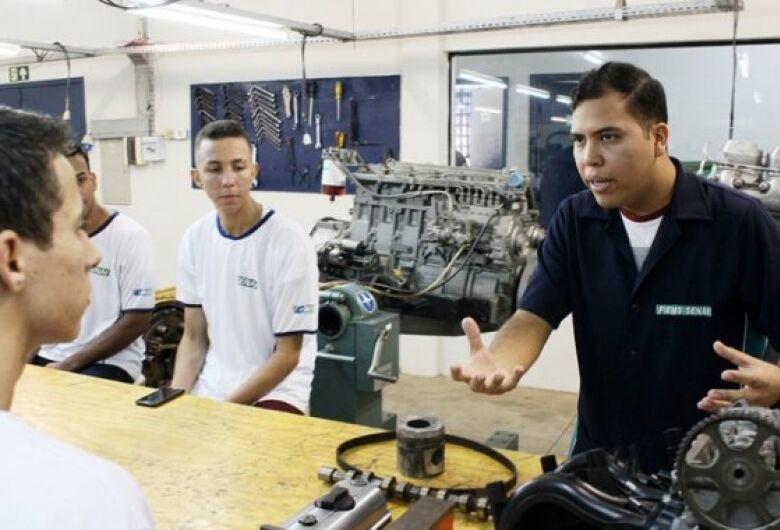 Senai abre 4 mil vagas em 28 cursos técnicos distribuídos por 12 cidades do Estado