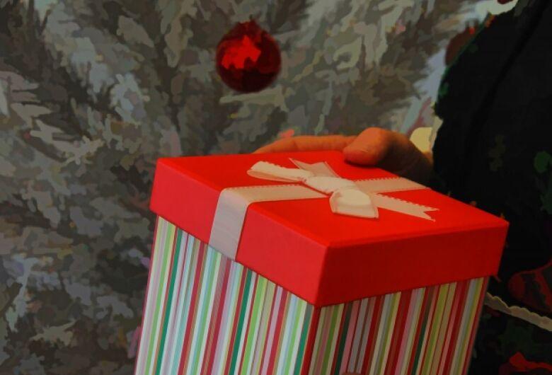 Seis em cada dez brasileiros pretendem comprar presentes para si mesmos