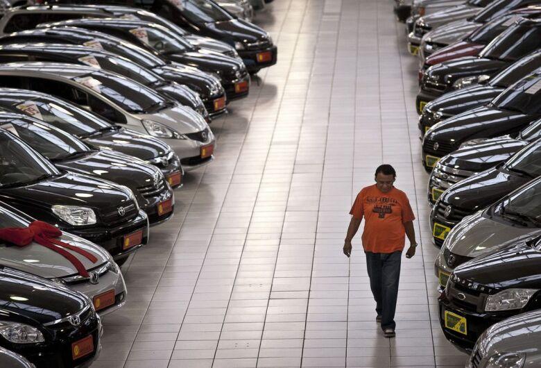 Atividade no comércio tem aumento de 2,9% em outubro, diz Serasa