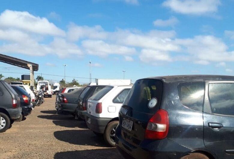 Detran inicia leilão de 227 veículos em Dourados na próxima semana