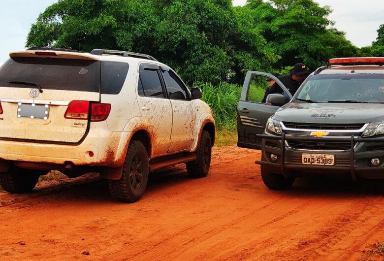 Policiais do DOF recuperam veículo roubado em assalto onde família foi feita refém