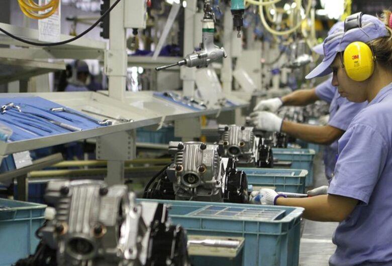 Produção industrial recua 1,2% de outubro para novembro