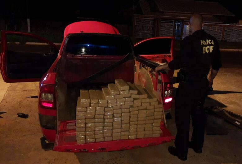 Veículo roubado em SP é recuperada pelo DOF com mais de 80 kg de maconha