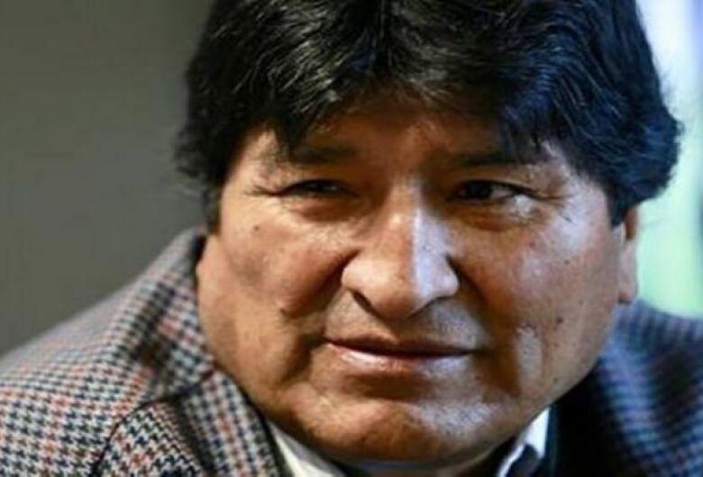 Evo Morales formaliza candidatura ao Senado da Bolívia