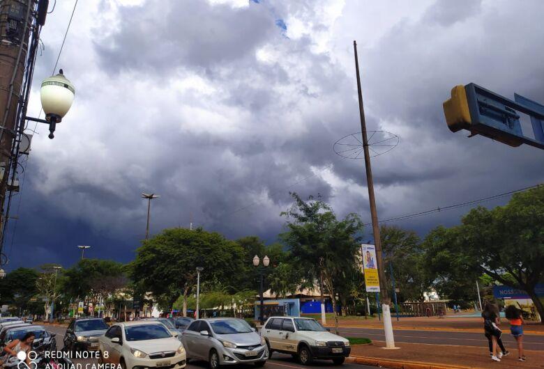 Dourados pode registrar chuva neste sábado à partir da tarde