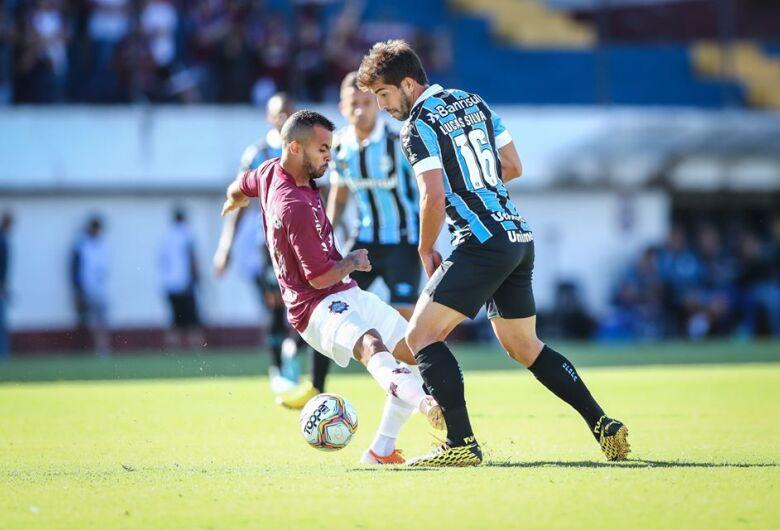 Caxias volta a vencer o Grêmio e conquista primeiro turno do Gaúcho