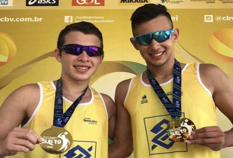 Dupla sul-mato-grossense conquista etapa do Circuito Brasileiro Sub-19 de vôlei de praia