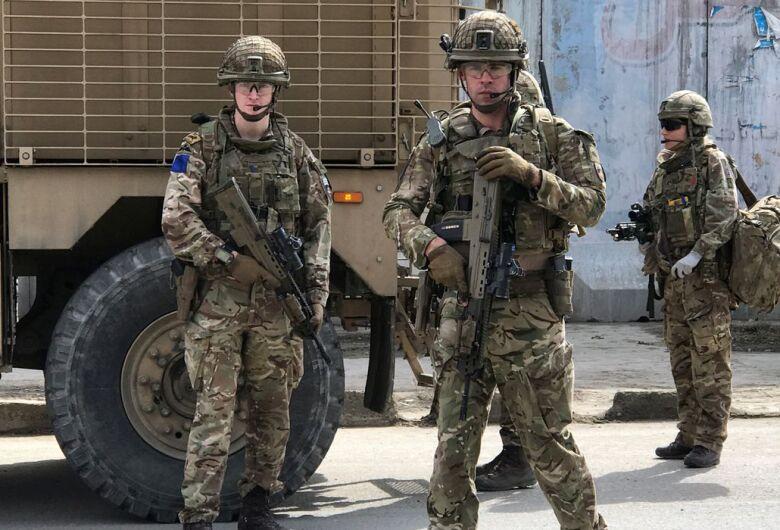 Tiroteio no Afeganistão mata pelo menos 27 e deixa 55 feridos