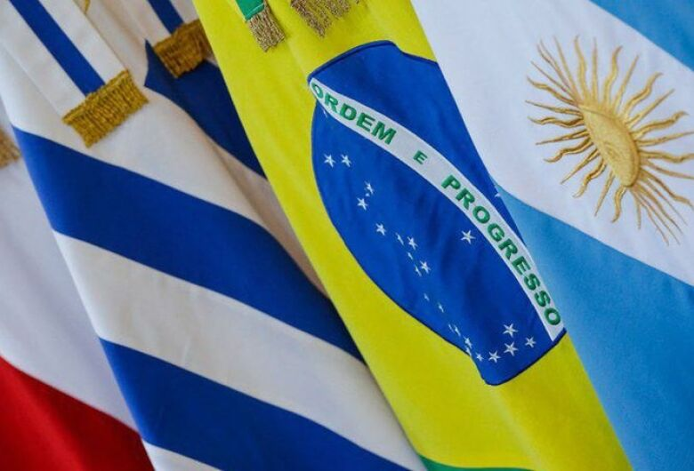 Estudantes e professores terão gratuidade em vistos para países do Mercosul